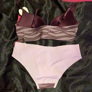 New York Elegance Intimates & Sleepwear - 😋 2 for $20 New York Elegance bra and panty set